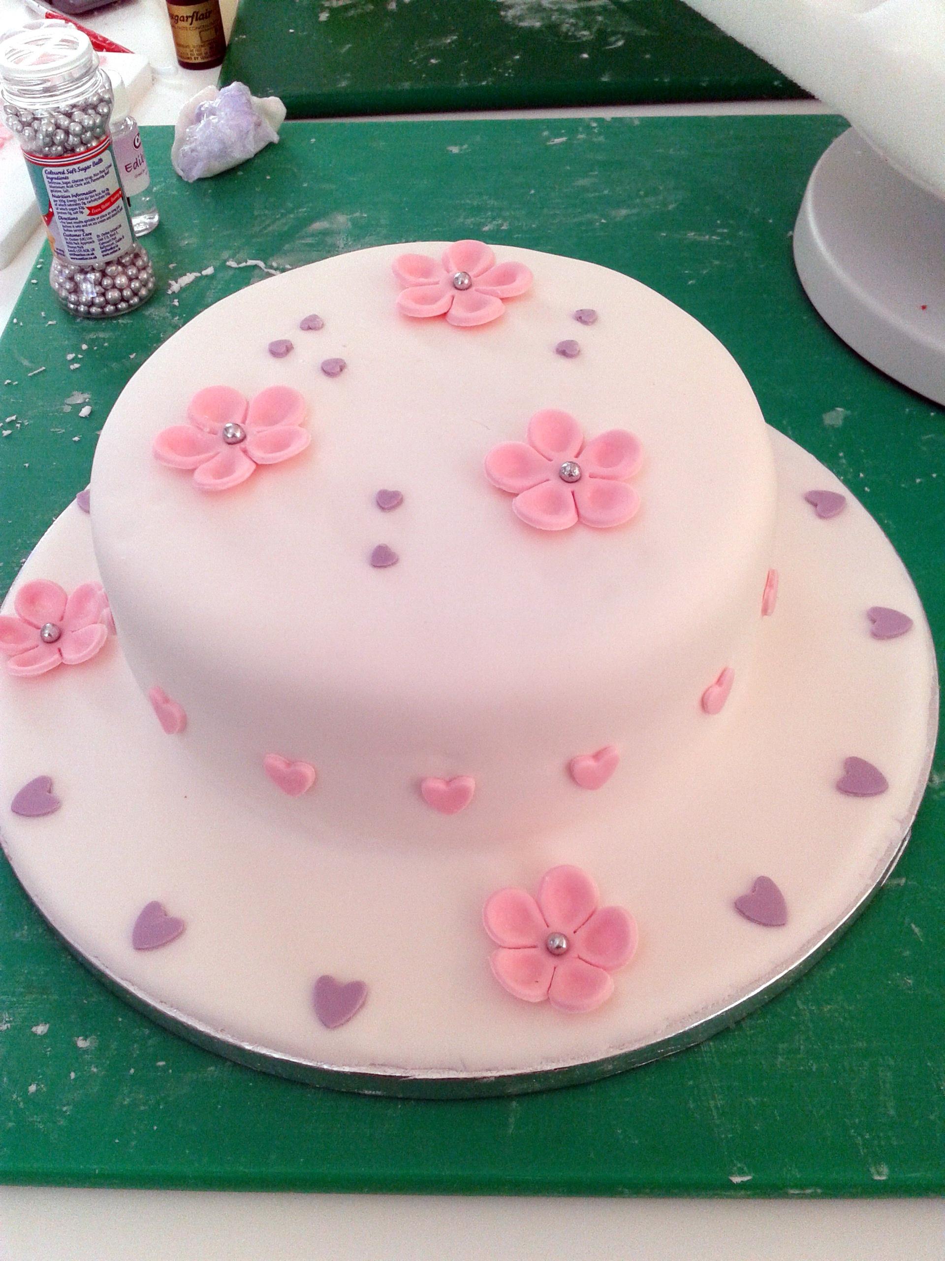 Populaire Mon premier gâteau en pâte à sucre EG44