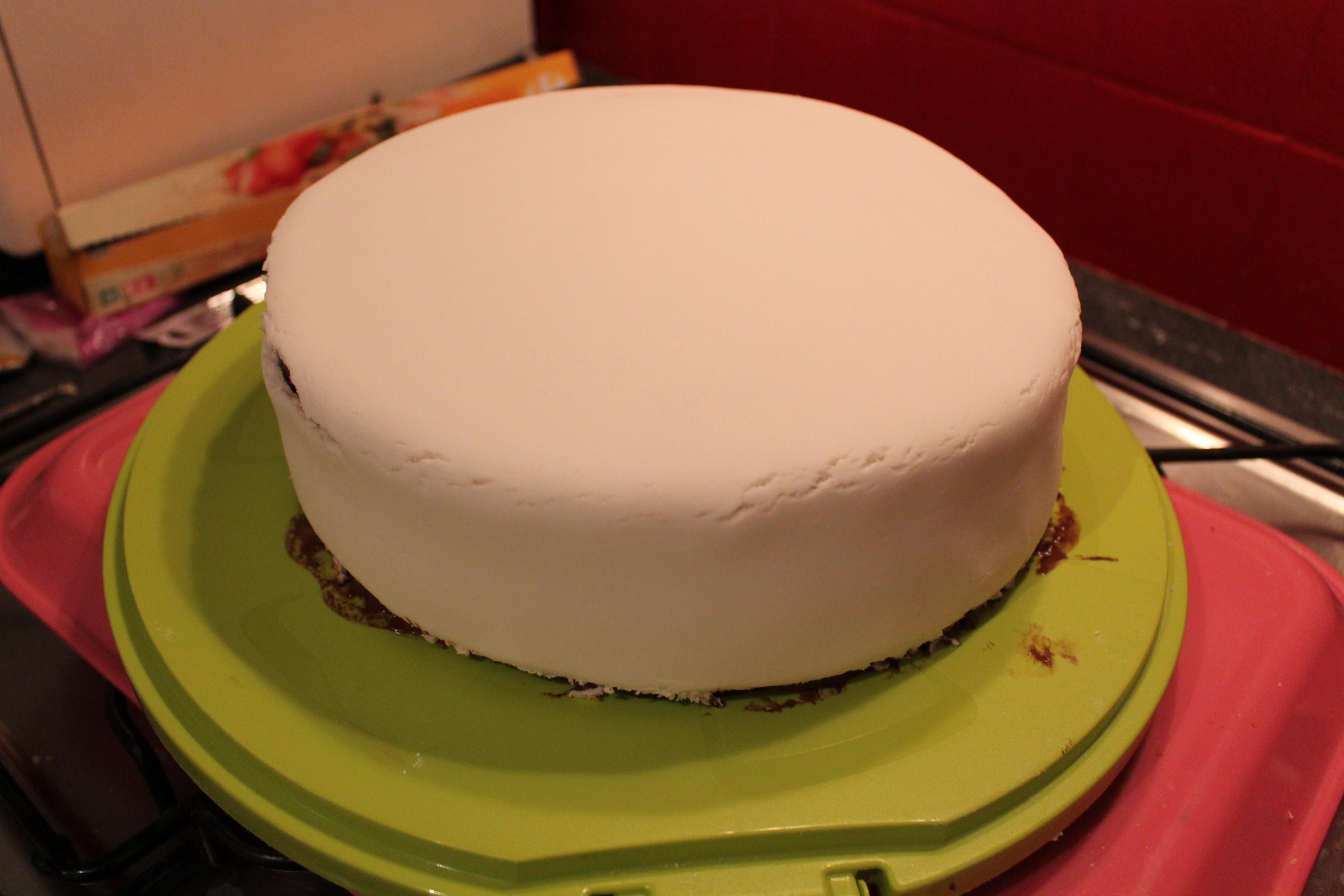 Fabuleux Mon premier gâteau en pâte à sucre MB96